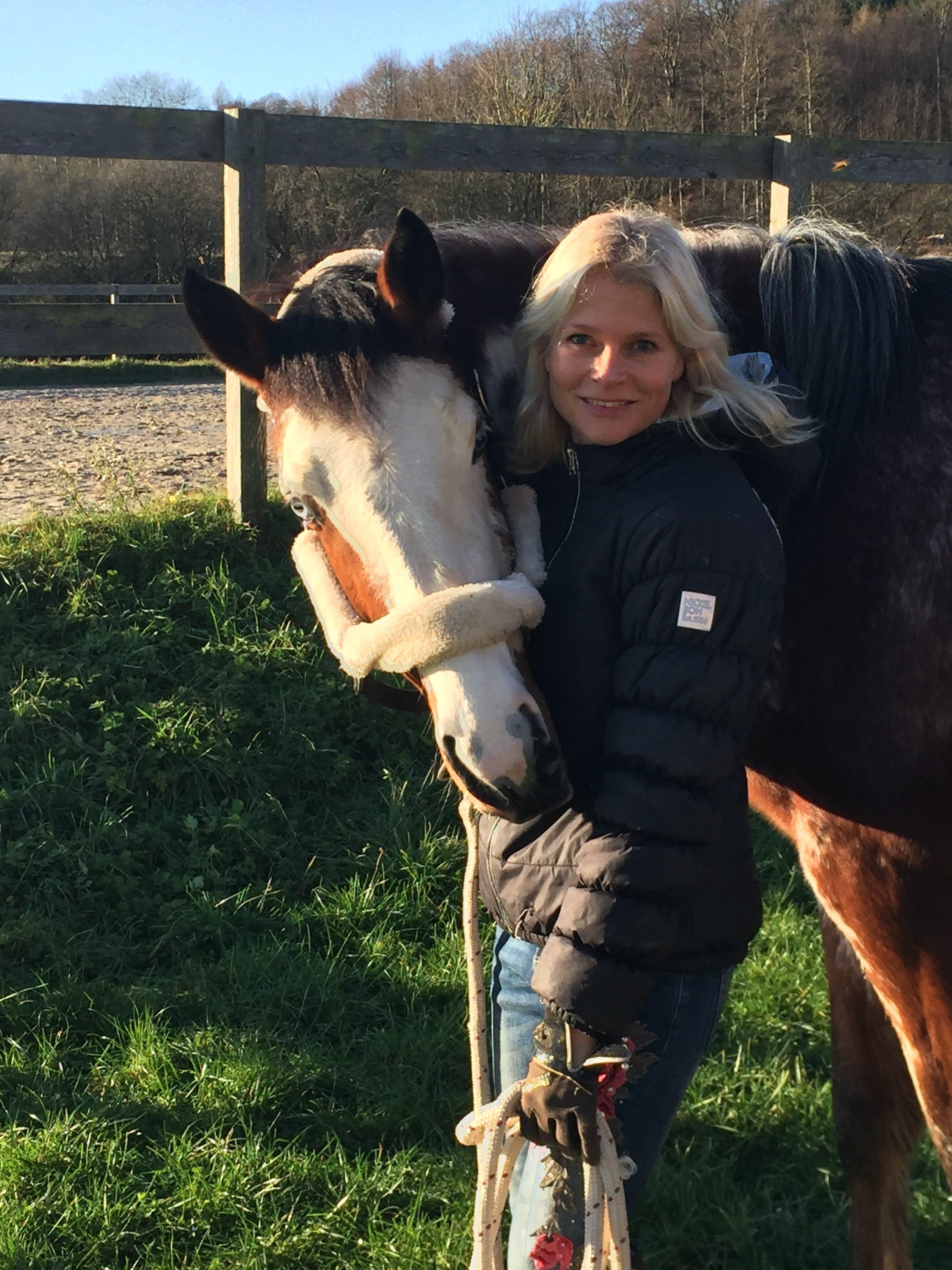 Frohe Weihnachten Pferd.Das Doppelleben Der Reiter Frohe Weihnachten Pferdefachwissen Für